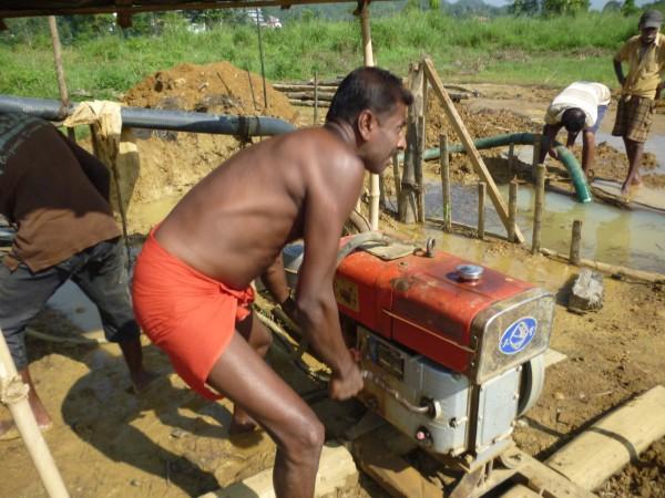 Mise en route à la mine, Ratnapura