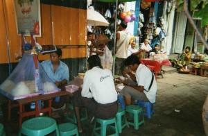 Restaurant de rue Birmanie Myanmar