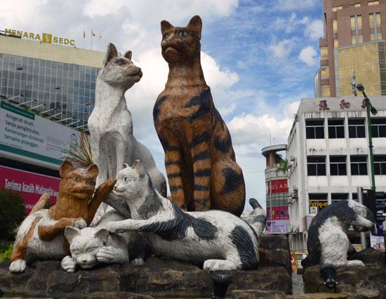 Statue Chats Kuching Bornéo