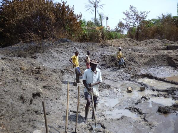 Mineurs mine diamants vers Kindia Guinée